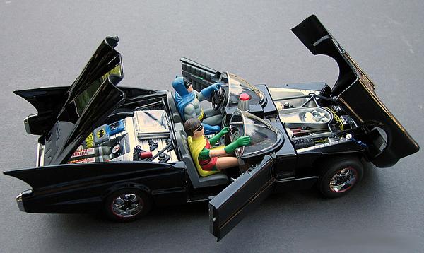 PhillyMint-Danbury Mint 1966 Batmobile DC Comic book version 1:24 ...