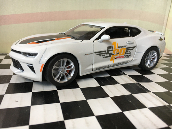 Greenlight Collectibles 2017 Chevrolet Camaro Ss 2016 Indy 500 Pace Car 50th Anniversary 1 24th Scale Cast Model