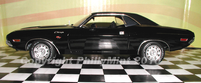 Phillymint Diecast 1970 Dodge Challenger R T Triple Black