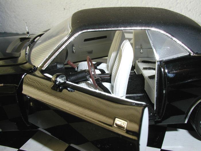 Phillymint Diecast 1970 Dodge Challenger R T Black W
